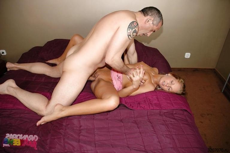 Секс Молодой Со Зрелым Мужчиной